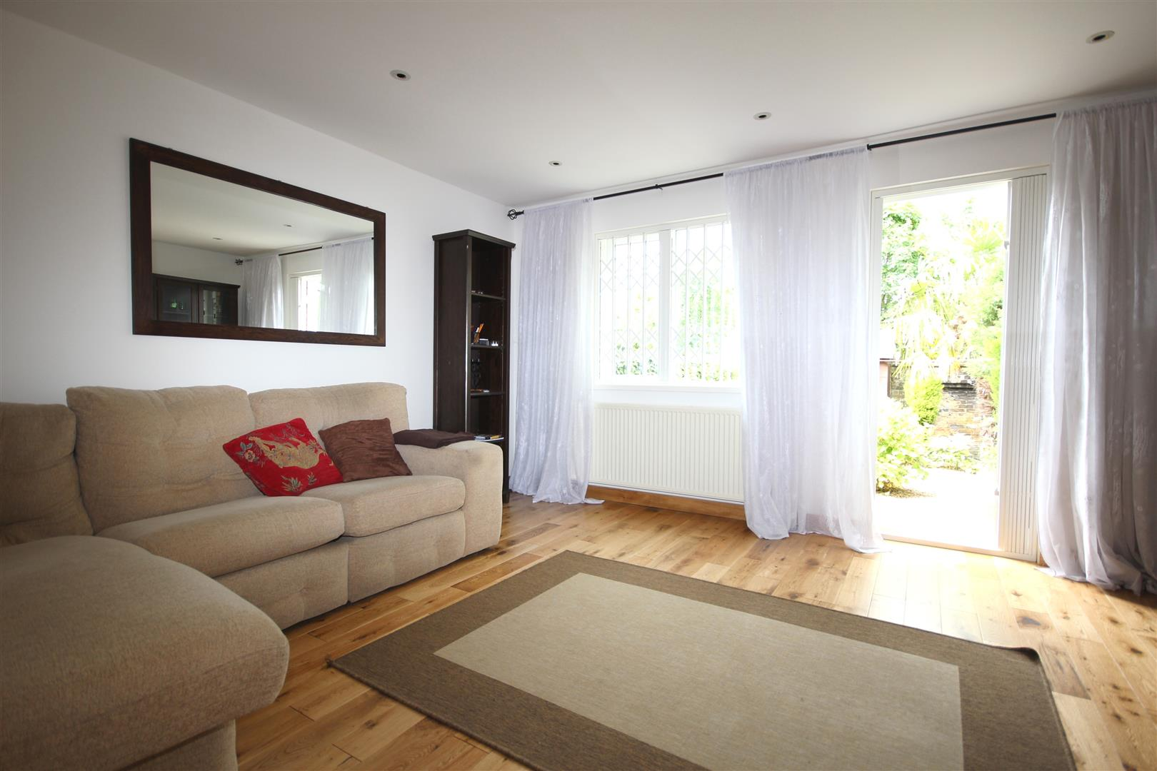3 Bedrooms House for sale in Beckett Close, London NW10 9BS